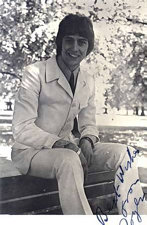 autographed photo of Roger Day